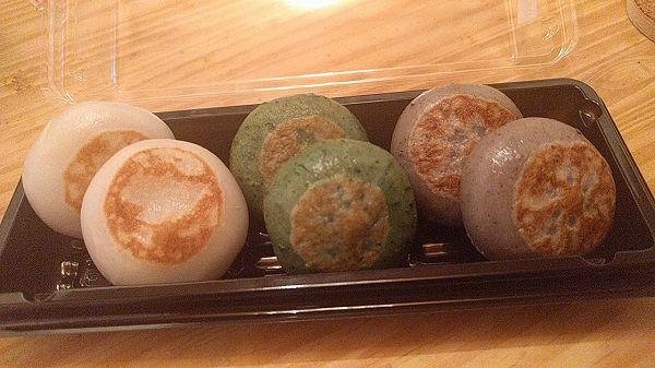 ユニークな大福が並ぶ「団喜(だんき)」は滋賀の羽二重餅を使用