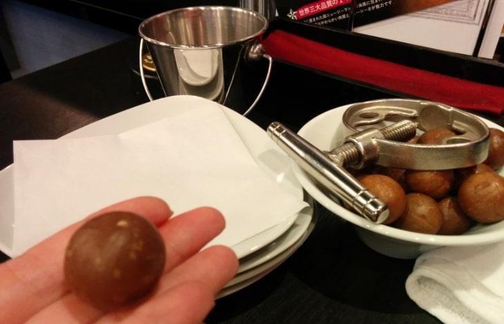 かしこまり荻窪 マカダミアナッツが食べ放題