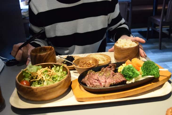 KARADA食堂「ルーミート定食」